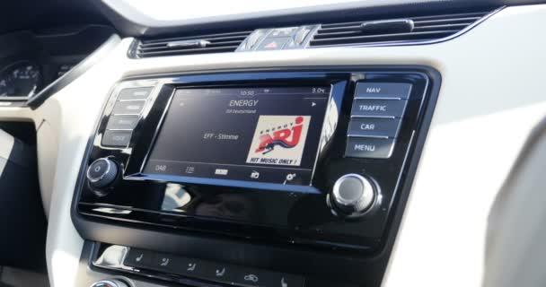 Les multiples avantages sur l'utilisation d'un GPS Bluetooth pour voiture